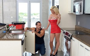 Milf has sex with plumber